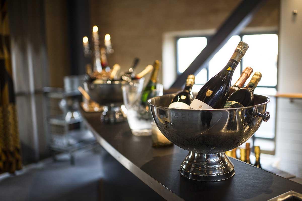 Champagnebaren Upstairs, Louis de Geer