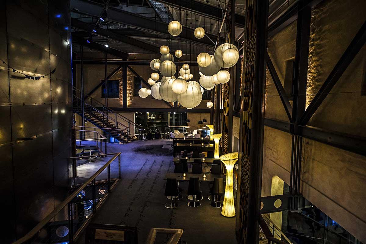 Lokal: Champagnebaren Upstairs Louis de Geer